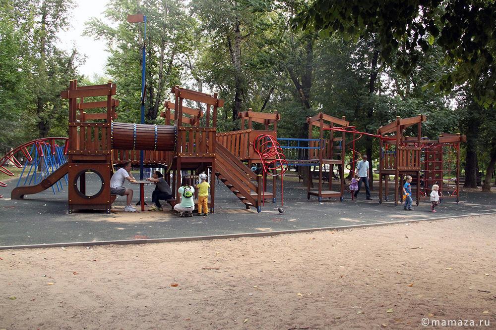 """Площадка в детском парке """"Пресненский"""""""